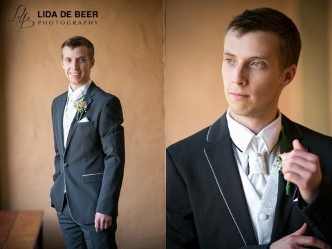 Moon-and-sixpense-wedding-photography-30